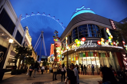 The Las Vegas High Roller At The LINQ Goes Dark For Earth Hour To Raise Awareness For Climate Change
